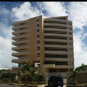 Apartamento En Ventaen Higuerote, Puerto Encantado, Venezuela, VE RAH: 21-15032