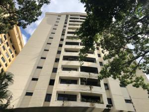 Apartamento En Ventaen Valencia, Valles De Camoruco, Venezuela, VE RAH: 20-22610