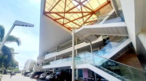 Local Comercial En Ventaen Maracaibo, La Lago, Venezuela, VE RAH: 20-22617