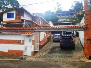 Casa En Ventaen Los Teques, Colinas De Carrizal, Venezuela, VE RAH: 20-22628