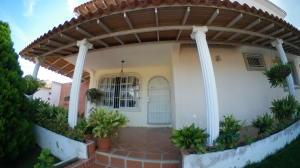 Casa En Ventaen Barquisimeto, Colinas De Santa Rosa, Venezuela, VE RAH: 20-22701