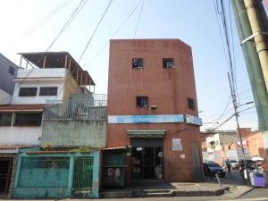 Edificio En Ventaen Caracas, Catia, Venezuela, VE RAH: 20-22561