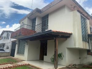 Casa En Ventaen Valencia, Los Naranjos, Venezuela, VE RAH: 20-22729