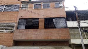 Casa En Ventaen Caracas, Catia, Venezuela, VE RAH: 20-22753