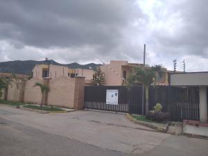 Townhouse En Ventaen Municipio Naguanagua, El Rincon, Venezuela, VE RAH: 20-22776