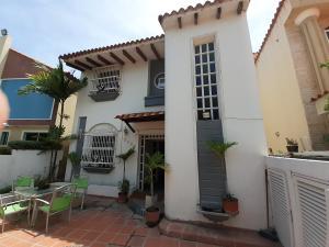Casa En Alquileren Lecheria, Casa Botes B, Venezuela, VE RAH: 20-22814