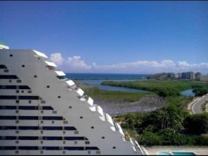 Apartamento En Ventaen Margarita, Porlamar, Venezuela, VE RAH: 20-22881