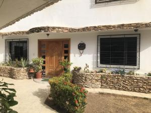 Casa En Ventaen Catia La Mar, Playa Grande, Venezuela, VE RAH: 20-22834