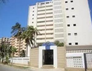 Apartamento En Ventaen Catia La Mar, Playa Grande, Venezuela, VE RAH: 20-22875