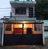 Casa En Ventaen Valencia, Lizandro Alvarado, Venezuela, VE RAH: 20-23021