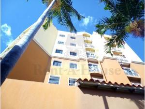 Apartamento En Ventaen Turmero, Santiago Mariño, Venezuela, VE RAH: 20-22909