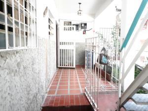 Local Comercial En Alquileren Caracas, Baruta, Venezuela, VE RAH: 20-22929