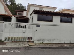 Casa En Ventaen Caracas, Alto Prado, Venezuela, VE RAH: 20-22941