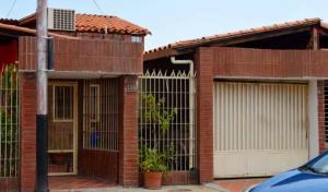 Casa En Ventaen Maracay, Las Aves, Venezuela, VE RAH: 20-22958
