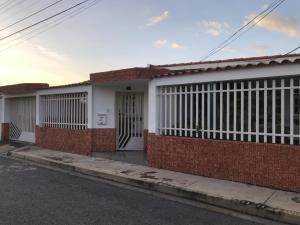 Casa En Ventaen Maracay, Fundacion Mendoza, Venezuela, VE RAH: 20-22969