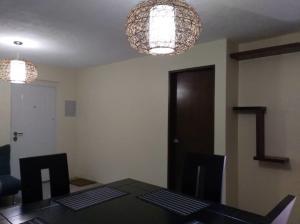 Apartamento En Ventaen Municipio San Francisco, San Francisco, Venezuela, VE RAH: 20-23033