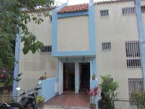 Apartamento En Ventaen San Antonio De Los Altos, La Arboleda, Venezuela, VE RAH: 20-23047