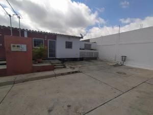 Casa En Ventaen Cabudare, Parroquia José Gregorio, Venezuela, VE RAH: 20-23069
