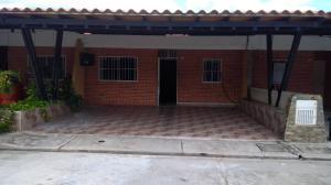 Townhouse En Ventaen Municipio San Diego, Sabana Del Medio, Venezuela, VE RAH: 20-23194
