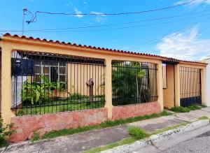 Casa En Ventaen Cabudare, Parroquia José Gregorio, Venezuela, VE RAH: 20-23225