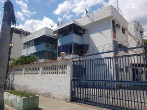 Apartamento En Ventaen Parroquia Caraballeda, Caribe, Venezuela, VE RAH: 20-23233