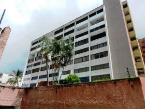 Apartamento En Ventaen Parroquia Caraballeda, Caribe, Venezuela, VE RAH: 20-23234