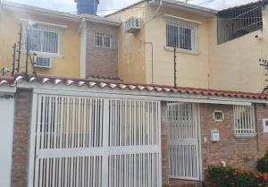 Casa En Ventaen Guatire, Valle Arriba, Venezuela, VE RAH: 20-23259