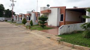Casa En Ventaen Ciudad Bolivar, Sector Marhuanta, Venezuela, VE RAH: 20-23243
