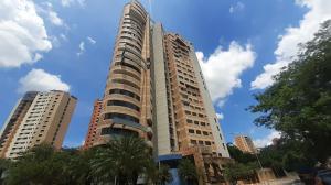 Apartamento En Ventaen Valencia, Valle Blanco, Venezuela, VE RAH: 20-23280