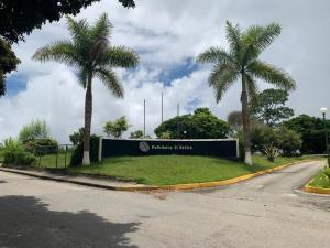 Terreno En Ventaen San Antonio De Los Altos, Parque El Retiro, Venezuela, VE RAH: 20-23301