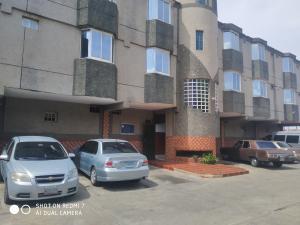 Apartamento En Alquileren Ciudad Ojeda, La 'l', Venezuela, VE RAH: 20-23438