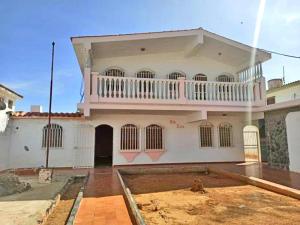 Casa En Ventaen Punto Fijo, Puerta Maraven, Venezuela, VE RAH: 20-23241