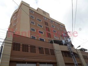 Apartamento En Alquileren Maracay, El Bosque, Venezuela, VE RAH: 20-23525