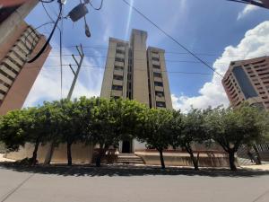 Apartamento En Ventaen Maracaibo, Avenida Delicias Norte, Venezuela, VE RAH: 20-23459