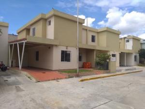 Casa En Ventaen Cabudare, El Trigal, Venezuela, VE RAH: 20-23465
