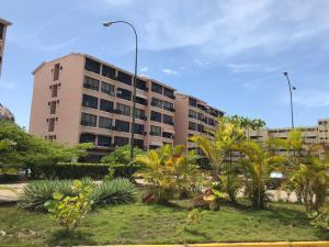 Apartamento En Ventaen Higuerote, Agua Sal, Venezuela, VE RAH: 20-23480