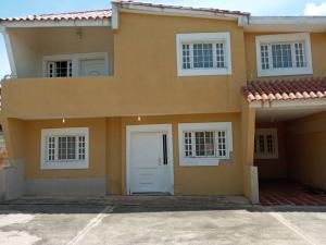 Townhouse En Ventaen Ciudad Ojeda, Bermudez, Venezuela, VE RAH: 20-22962