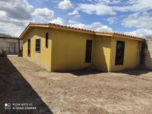 Casa En Ventaen San Joaquin, La Pradera, Venezuela, VE RAH: 20-23488