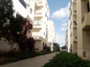 Apartamento En Ventaen Municipio Los Guayos, Paraparal, Venezuela, VE RAH: 20-24018