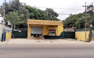 Local Comercial En Ventaen Maracaibo, Primero De Mayo, Venezuela, VE RAH: 20-23588