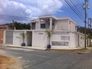Casa En Ventaen Municipio San Diego, Chalet Country, Venezuela, VE RAH: 20-23618
