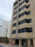 Apartamento En Ventaen Parroquia Caraballeda, Caribe, Venezuela, VE RAH: 20-23708