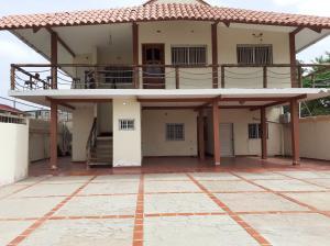 Casa En Ventaen Coro, Sector Concordia, Venezuela, VE RAH: 20-23689