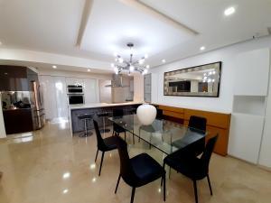 Apartamento En Ventaen Maracaibo, La Lago, Venezuela, VE RAH: 20-23728