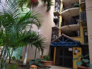 Apartamento En Ventaen Valencia, Los Caobos, Venezuela, VE RAH: 20-23818