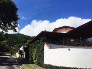 Casa En Ventaen Caracas, Colinas De Los Ruices, Venezuela, VE RAH: 20-23780