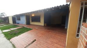 Casa En Ventaen Cabudare, Valle Hondo, Venezuela, VE RAH: 20-23857