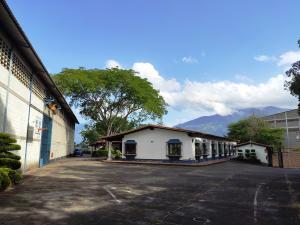 Galpon - Deposito En Ventaen Guatire, Guatire, Venezuela, VE RAH: 20-23860