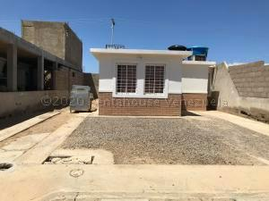 Casa En Ventaen Punto Fijo, Pedro Manuel Arcaya, Venezuela, VE RAH: 20-23968