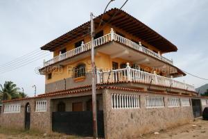 Casa En Ventaen Margarita, Santa Ana, Venezuela, VE RAH: 20-24063
